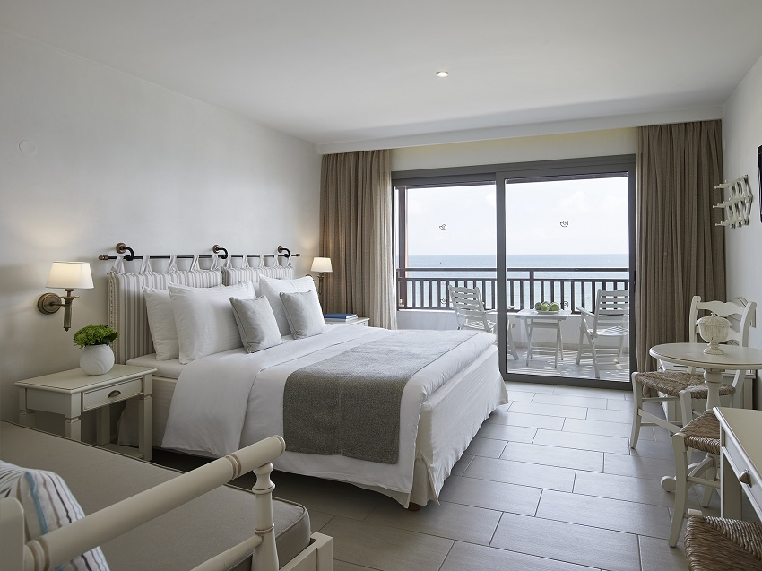 2-creta-maris-deluxe-sea-view-room